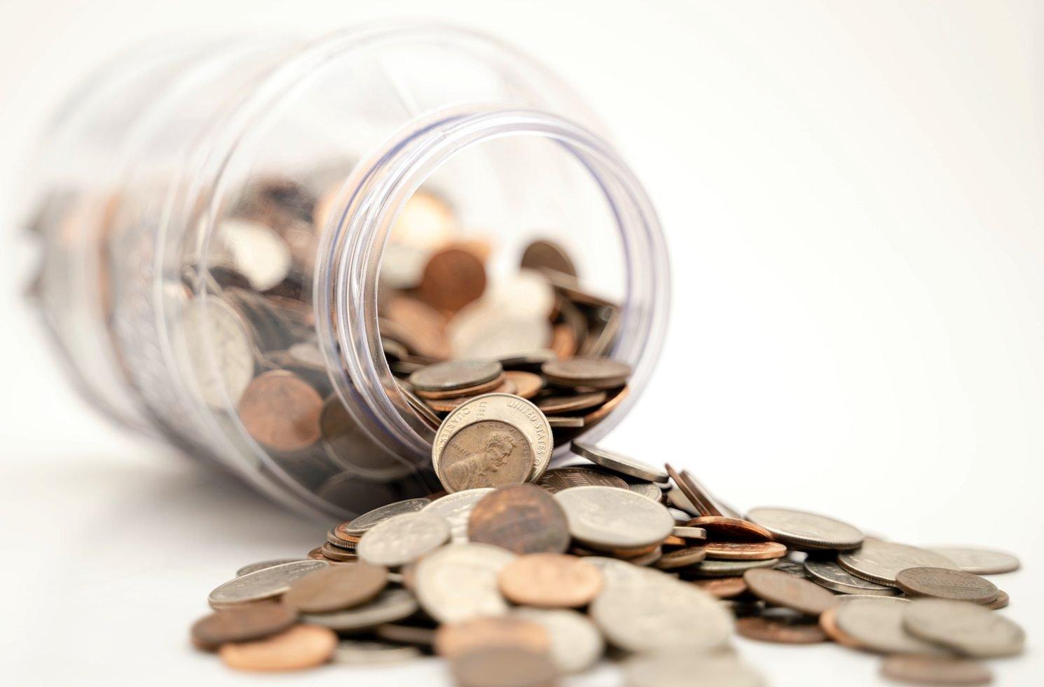 Münzgeld aus dem Glas