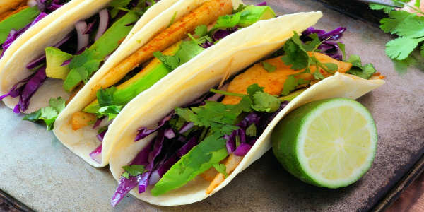 Die Zutaten im Fish Taco kannst du in ganz vielen Variationen ausprobieren!