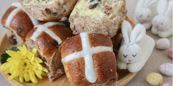 Hot Cross Buns, lebkuchenähnliche Brötchen zu Ostern in Südafrika