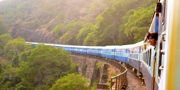 Mit der Bahn statt dem Flugzeug reisen und dabei die Natur noch mehr genießen