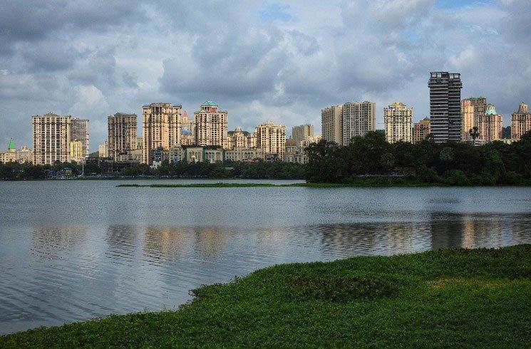 Lake Side in Mumbai, Indien
