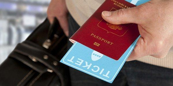 Reisepass und Flugticket