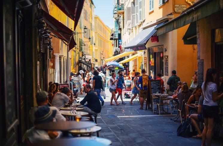 In Nizza, Frankreich, unterwegs