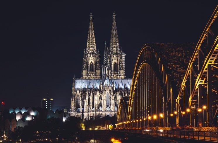 Blick auf den Kölner Dom in Deutschland