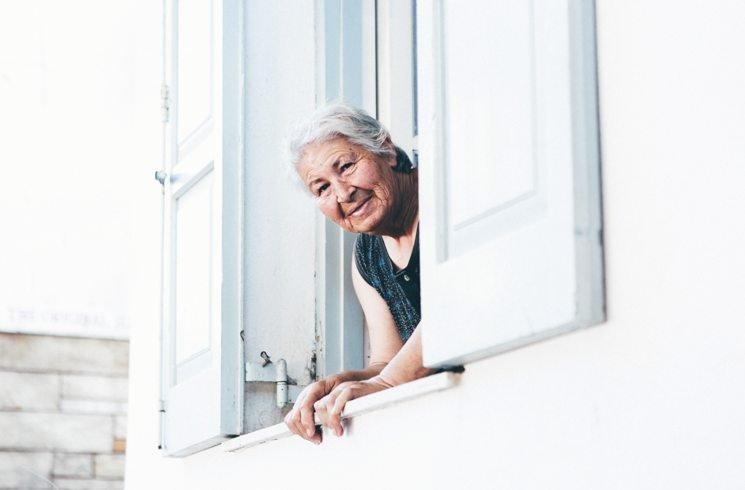Griechische Seniorin