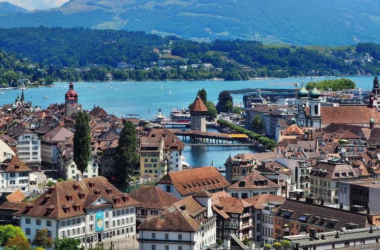Luzern mit See in der Schweiz