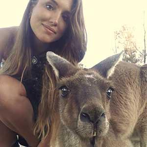 Lisa mit Kangaroo